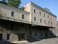 Fasáda výrovského mlýnu ve Břehách krátce po jeho koupi obcí Břehy
