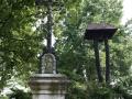 Boží muka se zvoničkou v Lohenicích
