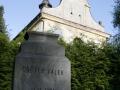 Pomník obětem válek ve Vápně